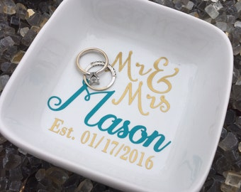 Custom Ring dish, personalized jewelry holder, personalized ring dish, newlyweds gift, bride to be gift