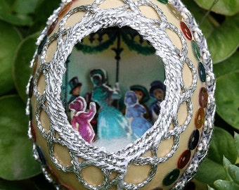 Vintage Chicken Egg Shell Christmas Diorama with Metallic Trim Scene Fabergé Style - Silver Trim - Carolers