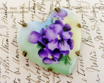 Antique ceramic heart brooch with pansies