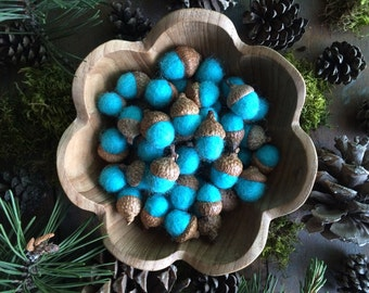 Felted wool acorns, Bright Turquoise, set of 50, teal felt acorns, turquoise bowl filler, turquoise wool acorns, bright needle felted acorns