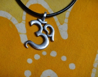 Ohm Aum Om Pendant Necklace