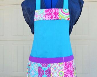 Patchwork Quilt.  print Kids apron Size 4-6-8-Young Adult / Apron / Kids Apron.