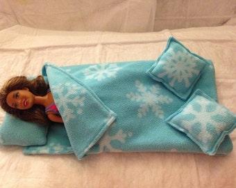 Frozen snowflake print Fleece sleeping bag, pillow & 2 throw pillows for Fashion Dolls - bsb11