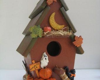 Halloween Birdhouse// Halloween Decoration//Haunted Birdhouse//Haunted Birddhouse
