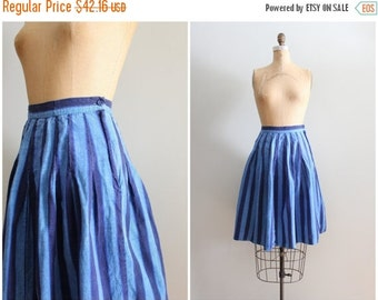 SALE / striped Santa Cruz skirt - 80s high wasited pleated skirt / 80s blue chambray skirt - vintage striped cotton skirt / cotton summer sk