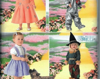 NEW Simplicity Wizard of Oz Costume 4024 Dorothy Tin Man Scarecrow Sizes 1/2 -4 UNCUT