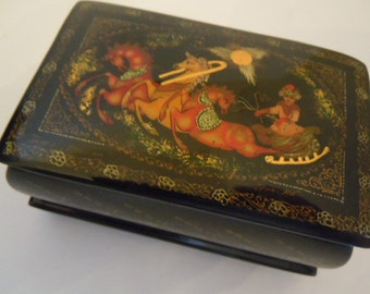 St Nicholas and His Horse Sleigh Holiday Lacquer Box