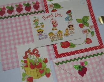 Vintage Stationery Collection - Strawberry Shortcake Flowers Gingham