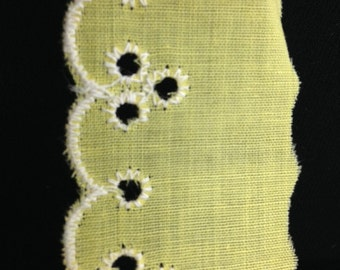 Vintage Eyelet Lace Trim in Yellow!