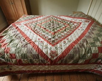 Vintage king size floral patchwork quilted bedspread with tulip flowers and pair of cushion pillow covers cases