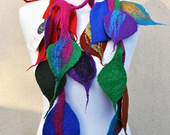 Felt scarf, necklace, leaves, green, pink, blue, red, yellow, black, purple