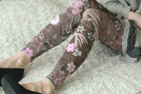 CLEARANCE SALE Fun pink, brown floral leggings