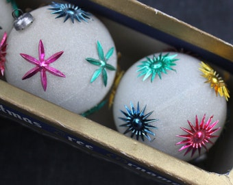 Mod and Unbreakable Vintage Jewels Christmas Ornaments, Italy, Frosted with Starbursts, Box with Three Ornaments