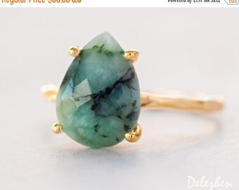 SALE - Green Raw Emerald Ring Gold - May Birthstone Ring - Solitaire Stone Ring - Stacking Ring - Gold Ring - Tear Drop Ring - Prong Set Rin