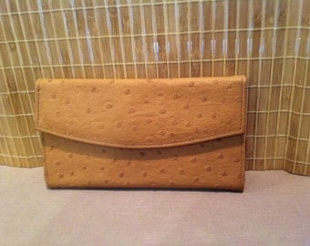 """Vintage 80's """"AMBER COLOR WALLET""""  by GVanti International Leather Look"""