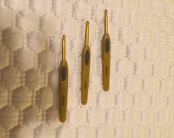 Clover Soft Touch Ergonomic Crochet Hook Set