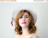 30% OFF SALE / 1960s vintage hat / red and white straw boater