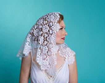 Vintage White Mantilla Wedding Veil - Floral Lace  - Bridal Fashions