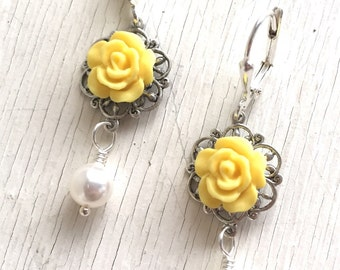 Yellow Rose and White Swarovski Pearl Dangle Bridesmaid Earrings. Wedding Jewelry. Bridesmaid Gifts. Bridesmaid Earrings.