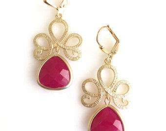 SALE - Fuchsia Drop Earrings in Gold. Pink Dangle Earrings. Bridesmaids Earrings. Jewelry Gift.  Ruby Drop Earrings. Christmas Gift.