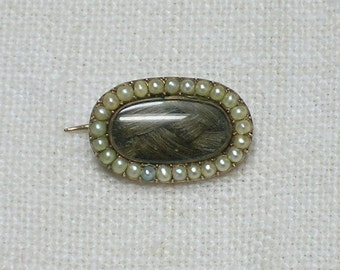 Georgian Brooch. Tiny! With Seed Pearls and Braid of Hair. Jane Austen era England. Neoclassical, Regency