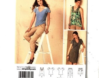 Simplicity 2261 Misses Sleeveless Top With Square Neck, Short sleeve, Pants, Skirt with Cargo Pockets, Sizes 14,16,18,20,22 Uncut Pattern FF