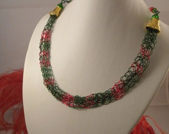 Christmas Hammered Wire Choker