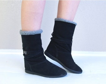 vintage 70s BUCKLE black suede ITALIAN BOOTS 7 gray faux shearling leather boho shoes wedges ankle