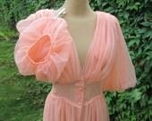 Nice Peignoir / Salmon / Peach / Long Peignoir / Size EUR 38 / 40 / UK10 / 12 / Nightgown / Bridal / Robe / Wedding