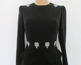 Black Dress Dress Vintage /Size EUR 38 / 40 / UK 10 / 12 / White Embroidery / Jersey / with Basques / Short Dress / Mini Dress