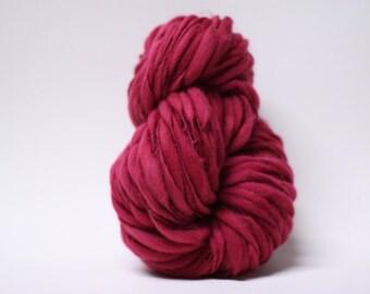 Yarn Thick and Thin Merino Handspun Wool Slub Hand Dyed tts(tm) Merino Bulky Mulberry 01