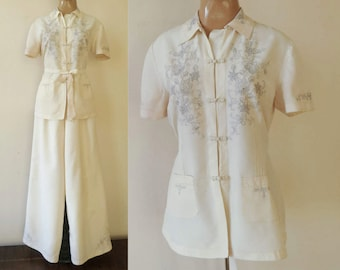 vintage 1940s ASIAN STYLE embroidered PAJAMAS set size s creme ecru women's sleepwear pj's pyjamas 40s