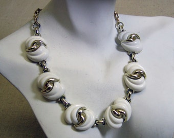 1960s White Plastic Link Necklace, 15 Inches, Choker Necklace
