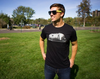 Men's Small Vintage Airstream Trailer T-Shirt - Happy Camper Tee
