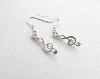 Treble Clef Dangle Earrings Silver Music earrings, Music lover