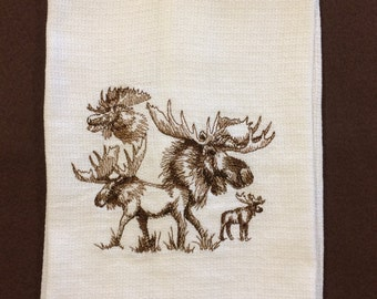 Moose kitchen towel, Moose huck towel, White huck Towel, Towel Embroidery, Moose kitchen, Moose decor, Moose huck towel