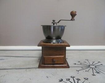 Vintage Coffee Grinder Coffee Retro Coffee Grinder Wooden Grinder Cast Iron Kitchen Decor Housewarming Gift Wedding Gift