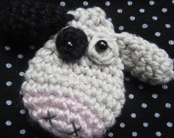 Cheesecake the Cow Crocheted Brooch