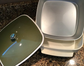 Vintage Insulated Casserole Dish