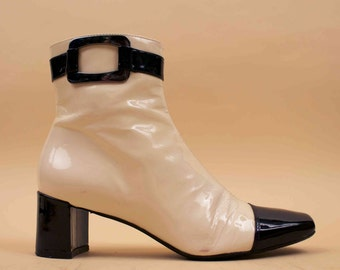 90s does 60s Vtg MOD Black & White Patent Leather Ankle Boots / Buckle Detail Chelsea GoGo Zip Up Space Age Minimalist / 6.5 Eu 37