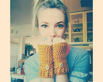 Yellow Gold Fingerless Gloves with buttons