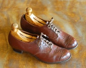 vintage 1940s shoes / 40s brown leather women's oxfords / size 8.5