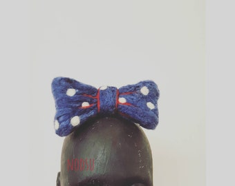 Big bow hair clip with polka dots, oversized navy bow on alligator hair clip, strong hold, lolita kawaii halloween costume accessory