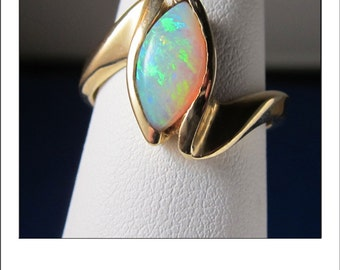 Vintage 14k Colorful Marquise Opal Mod Mid Century Ring