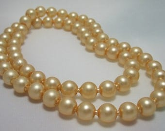 Pearl Pop It Bead Necklace - Snap Bead Necklace -  Pearlized Latte Plastic Necklace - Retro Kitsch - 1950's - Vintage Necklace