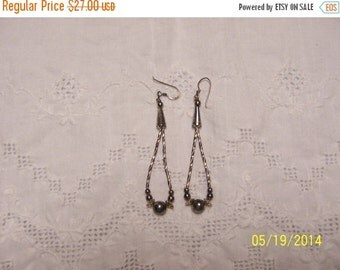 20 OFF EVERYTHING Vintage Liquid Silver earrings. Sterling silver.