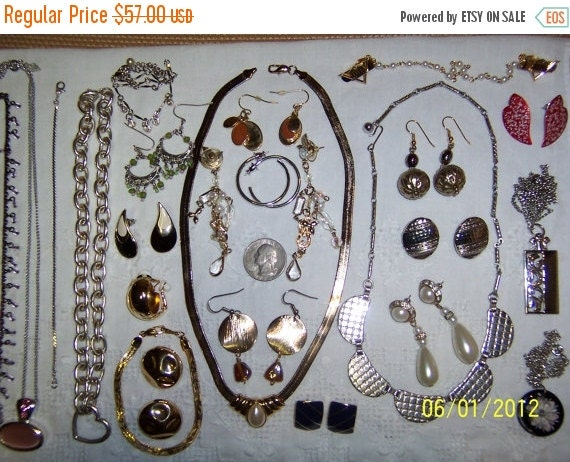 Twice a year, 25% off Vintage Jewelry Lot 70. Medium Size.