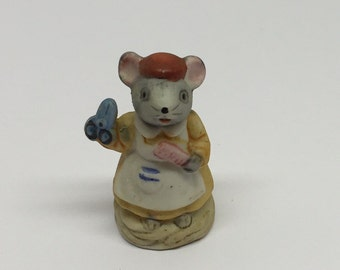 Russ Figurine SEAMSTRESS Lil' Mouse Town Porcelain Miniature Occupation Mice