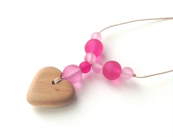 Aphrodite Teething Necklace - Nursing Necklace - Breastfeeding Necklace - Juniper Heart - Pink, Pantone Rose Quartz