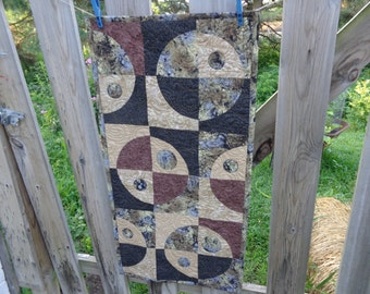 Circle Quilt, Brown and Black Crazy Curves, Quilted Table runner, My Universe 0714-02
